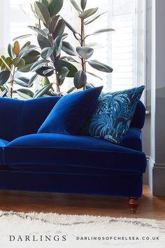 What lamp for my living room? Blue Velvet Sofa Living Room, Corner Sofa Living Room, Velvet Corner Sofa, Living Room Sets, Living Room Furniture, Living Room Decor, Blue Sofas, Home Interior, Interior Design Living Room