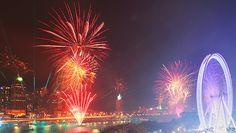 Spectacular Fireworks Along South Bank At Brisbane Festival 2012 | AspirantSG