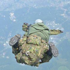 「潜入開始」 15,000ftからの降下潜入訓練 #空挺 #空挺団 #降下 #降下訓練 #パラシュート#陸上自衛隊 #自衛隊 #陸自 #airborne #parachute #jgsdf #jsdf #gsdf