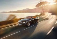 Rolls-Royce-Dawn_2017_800x600_wallpaper_01.jpg