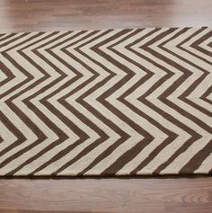 nuLOOM Handmade Alexa Chevron Wool Rug x - Overstock™ Shopping - Great Deals on Nuloom - Rugs Overstock Rugs, Chevron Area Rugs, Hearth And Home, Contemporary Area Rugs, Rugs Usa, Floor Decor, Cool Rugs, Wool Area Rugs, Rugs Online