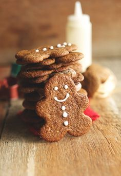 Gluten Free Gingerbread Men | minimalistbaker.com #christmas #vegan #glutenfree