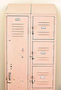 FleaingFrance Brocante Society I pale pink lockers