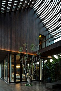 DRA House in Bali. By D-Associates Architects. Located in - Architecture and Home Decor - Bedroom - Bathroom - Kitchen And Living Room Interior Design Decorating Ideas - Bali Architecture, Tropical Architecture, Modern Architecture House, Residential Architecture, Villa Design, Thai House, Patio Interior, Room Interior, Tropical Houses