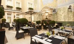 Say bonjour to Hotel Starhotels Castille Paris! Nestled in the heart of Paris's arrondissement, the Castille is a boutique hotel that effortlessly brings the past and present together. Hotel Paris, Restaurant Paris, Paris Restaurants, Paris Hotels, Paris Paris, Courtyard Restaurant, Courtyard Hotel, Hotel Secret, Restaurants In Paris
