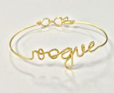 Le bracelet personnalisé Vogue d'Atelier Paulin bracelet fin doré prénom