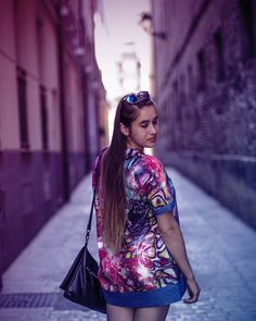 "94 aprecieri, 1 comentarii - Bianca.Teodorescu (@bianca.teodorescu) pe Instagram: ""#backtospain #traveller #zaragoza #instadaily #ig_spain #instagood #discoveringspain…"" Kimono Top, Passion, Poses, Portrait, Instagram, Blouse, Photography, Zaragoza, Photograph"