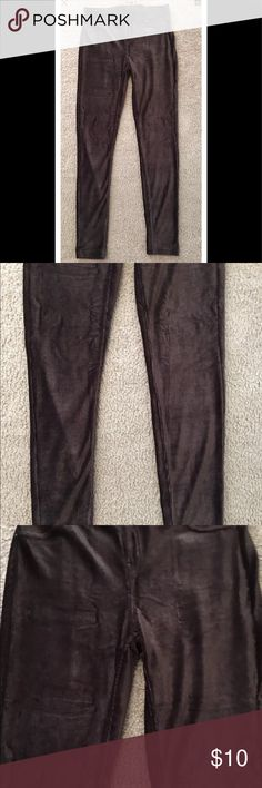 BNWT Vera Wang Brown Leggings-Size Small BNWT Vera Wang Brown Polyester/Spandex Leggings-Size Small.  From clean and smoke free home. Simply Vera Vera Wang Other