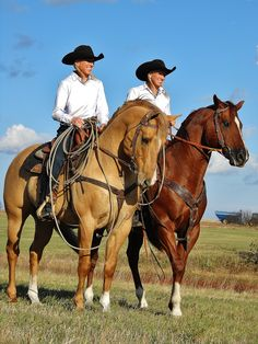 Deanna Jo & Laura Smith, Rodeo Solutions, wearing Barranada shirts :)
