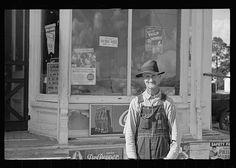 Farmer, Georgia-1938-John Vachon Real Men, Hats For Men, Archaeology, Vintage Photos, Farmer, Georgia, United States, America, Black And White