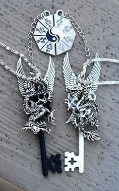 By Artist Unknown. Key Jewelry, Cute Jewelry, Jewelery, Jewelry Accessories, Bff Necklaces, Key Necklace, Fantasy Jewelry, Gothic Jewelry, Dragon Jewelry