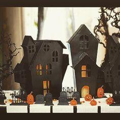 A perfect little sleepy hollow village  #halloweendecorations #halloweendecor…