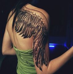 I love this as a permanent tattoo idea from Kendall Jenner's temporary one. :-) | #Wings #ShoulderBlades #TattooIdea #HalfSleeve #Steez ❤️