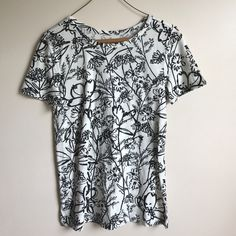 Selling this LOFT Sketched Floral Top on Poshmark! My username is: megbell08. #shopmycloset #poshmark #fashion #shopping #style #forsale #LOFT #Tops
