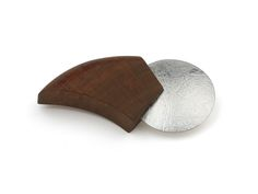 Handcrafted Broche ECLIPS. Silver and cherry wood. One of a kind piece. The Jewelry Story | Jan Kerkstra Marion Pannekoek