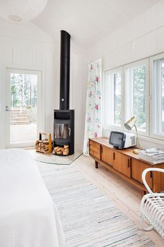 Small Fireplace, Home Fireplace, Fireplace Design, Tiny House Living, Living Room, Small Wood Burning Stove, White Floorboards, Home Fix, Minimalist Home