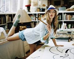 Brazilian supermodel Gisele poses in playful photoshoot to support the fight against Aids in Africa Gisele Bundchen, Classic Girl, My Life Style, Brazilian Models, Role Models, Editorial Fashion, Fashion Models, Fashion Fashion, High Fashion