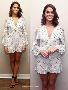 Look do dia: Romper macaquinho branco de musseline e poas da Bruna Marquezine in Zimmermman Fashion | http://modaefeminices.com.br/2017/02/04/look-do-dia-macaquinho-branco-de-musseline-e-poas-da-bruna-marquezine/