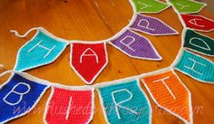 Flushed with Rosy Colour: Bunting Flags, free pattern Bunting Pattern, Crochet Bunting, Crochet Garland, Crochet Decoration, Crochet Home, Love Crochet, Crochet Crafts, Crochet Projects, Kids Crochet