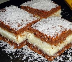 Prirodom do zdravlja: Jeftin, brz i sočan kolač s kokosom [Recept] Greek Sweets, Greek Desserts, Greek Recipes, Just Desserts, Dessert Recipes, Low Calorie Cake, Kolaci I Torte, Icebox Cake, English Food