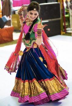 Take a look at some trendy and traditional Navratri Dandiya & Garba dress ideas. These Lehenga Cholis are amazing ways to dress for Navratri Festival this year. Choli Designs, Lehenga Designs, Rajasthani Bride, Rajasthani Dress, Rajasthani Lehenga Choli, Ghagra Choli, Indian Bridal Wear, Indian Wear, Indian Dresses