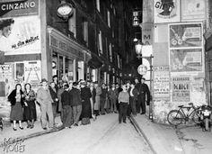 Bal musette, rue des Vertus, en 1933.