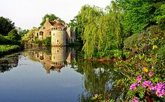 Scotney Castle Landscape Gardens, Kent, England | View of medieval castle and reflection in lake (9 of 16)