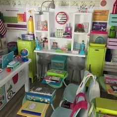 More pics of our AG Classroom! American Girl House, American Girl Doll Room, American Girl Furniture, Girls Furniture, American Girl Crafts, Doll Furniture, Crafts For Girls, Diy For Girls, Ag Dolls