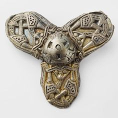 We are now counting down to VíKINGR - our new Viking Age exhibition! Opening soon at The Historical Museum in Oslo. Come see the objects with your own eyes. Viking Ship, Viking Age, Animal Heads, Oslo, Counting, Vikings, Closer, Fashion Art, Safety
