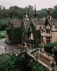 The beautiful Manor House Hotel in Castle Combe in Wiltshire Paradis Sombre, Arquitectura Wallpaper, Manor House Hotel, Beautiful Homes, Beautiful Places, Beautiful Beautiful, Beautiful Pictures, Castle Combe, Design Jardin