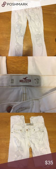 Very ripped skinny jeans ⭐️JEAN SALE⭐️ NEVER EVER WORN!! I wish they fit me they're just missing tags 🙁I'm super negotiable about the price, if you have any questions at all feel free to ask.🎈CHECK OUT MY CLOSET FOR MORE NEW JEANS🎈 Hollister Jeans Skinny