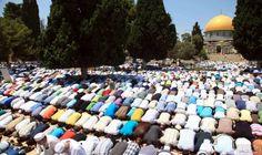 280 ألف فلسطيني يؤدون صلاة الجمعة في…: أدى أكثر من 280 ألف فلسطيني صلاة الجمعة الأخيرة من شهر رمضان في المسجد الأقصى في مدينة القدس المحتلة…