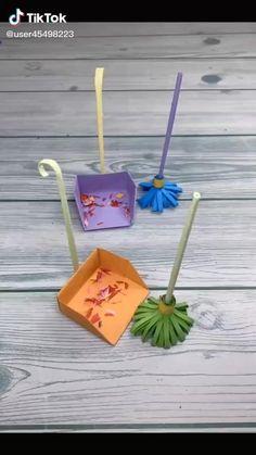 Mini Origami, Instruções Origami, Diy Crafts Hacks, Diy Crafts For Gifts, Easy Crafts, Paper Crafts Origami, Paper Crafts For Kids, Diy Art, Plants Indoor