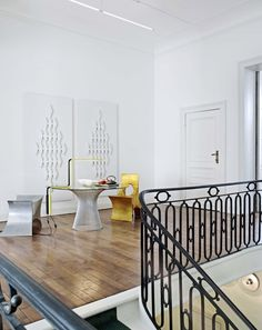 Ampersand House, Brussels. After living in Sydney, San Francisco, London and Luxembourg, Kathryn Smith and Ike Udechuku moved to Brussels and created Ampersand House, a home-gallery where public and...