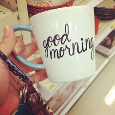 forever-and-alwayss:  mine says 'good morning gorgeous' :3