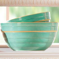 classic stoneware my grandmother had a set of these. brings back some great memories Vintage Bowls, Vintage Kitchenware, Mint Blue, Aqua, Turquoise, Picture Walls, Design Palette, Calming Colors, Mixing Bowls