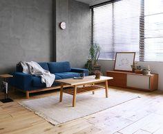 モルタルの空間に、ナチュラルテイストの家具をコーディネートしたリビングシーン|Re:CENO INTERIOR STYLING BOOK