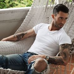 Why adam levine is still the sexiest man alive Only 7?