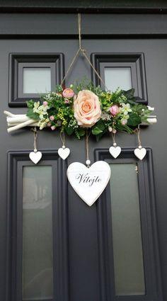 Front Door Decor, Wreaths For Front Door, Door Wreaths, Christmas Wreaths, Christmas Crafts, Christmas Decorations, Decoration Branches, Home Crafts, Diy And Crafts