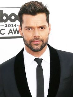 "Sneak Peek: Hollywood's Hottest Bachelors | RICKY MARTIN | There's a fairly long line of fans hoping to live ""la vida loca"" with this hip-thrusting singing sensation. With his sexy scruff and soulful gaze, Martin's grown up from boy bander to Broadway star. Now, the 42-year-old is also a single doting dad to twins. What's missing? A charming co-parent for this adorable papi."
