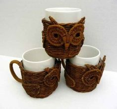 Tazas buho realizadas con papel de periódico reciclado  -  Owl Mugs made ​​with recycled newspaper