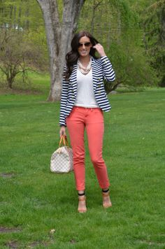 White top, striped blazer, coral pants, and sandals. Cute business casual look. Coral Pants Outfit, Striped Blazer Outfit, Look Blazer, Blazer Outfits, Striped Jacket, Casual Work Outfits, Business Casual Outfits, Professional Outfits, Work Attire