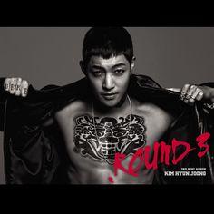"""Kim Hyun Joong fué el líder e integrante de mayor edad de la banda surcoreana SS501, además de ser actor. Con la expiración del contrato, Kim Hyun Joong no renovó con DSP Media, que lo gestionaba como parte de SS501, y se unió a KEYEAST en 2010 (agencia del reconocido actor Bae Yong Joon). Debutó como solista con su mini-álbum coreano BREAKDOWN en junio del 2011,del cual habia previamente lanzado en mayo su single """"Please"""". Kim Hyun Joong fue el primer cantante solista en el 2011 qu..."""
