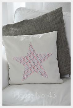 House No. 43: neue ( Sterne ) Kissen / new ( star ) cushions
