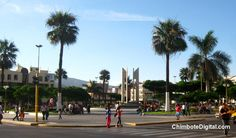 Plaza de Armas de Chimbote, vista desde la Avda. Pardo con Villavicencio.
