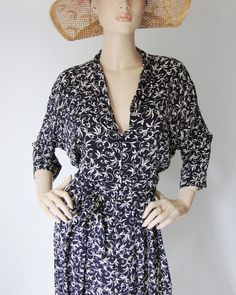 Ida Claire  Vintage 1940s Rayon Day dress XXL XL by DustBowlDame, $78.00 Women's vintage fashion clothing
