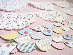 I always forget about these cute scrapbook paper and doilies banner. super easy & can be quick Bunting Garland, Circle Garland, Bunting Ideas, Paper Bunting, Garland Ideas, Paper Banners, Diy Paper, Paper Crafts, Recycled Crafts