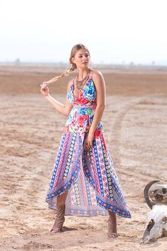 Vestido Flores $2,249 Botines $1,185 Anillo $99 Collar $499 <3