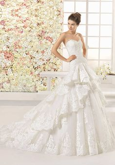 Aire Barcelona Cavo Wedding Dress photo