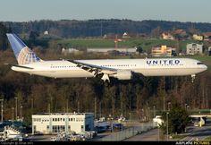 N59053 United Airlines Boeing 767-400ER